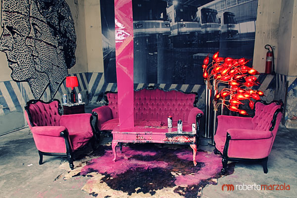 Fucsia living room